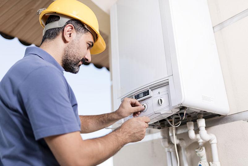 Instalación de boiler de paso eléctrico y solar en Tijuana, Codific Plomería y Electricidad en Tijuana